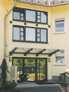 mehrfamilienhaus-rheinboell.jpg
