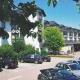 <p>Hotelanlage<br />Ausführung der Fenster-, Türen-, Fachwerkarbeiten und Fensterbänke<br /><strong>Ort:</strong><br />Land- und Golfhotel<br />55442 Stromberg/Schindeldorf</p>