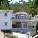 Neubau einer Villa <br /><strong>Ort:</strong><br />Carrer del Puig de na Morisca<br />E 06198 Santa Ponca<br />Mallorca/Espana<br /><strong>Bauherr: </strong><br />Señor Erich Müller<br />E 07157 Port d´Andratx<br />Mallorca/Espana<br /><strong>Ausführung:   </strong><br />6-Kammer-Kunststofffenster mit Sicherheitsglas A3 und Scheibenverklebung<br />Sicherheitsbeschläge WK3, Einbruchmeldekontakte<br /> elektrische Außenjalousien<br />elektrische Fensteröffner